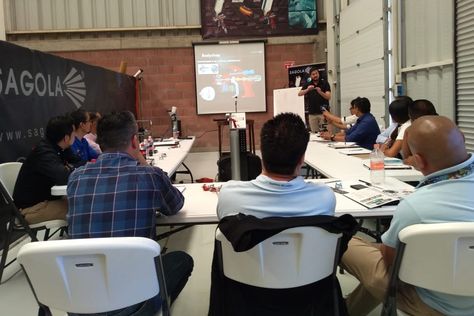 TECHNICAL TRAINING OF DISTRIBUTORS OF SAGOLA MEXICO