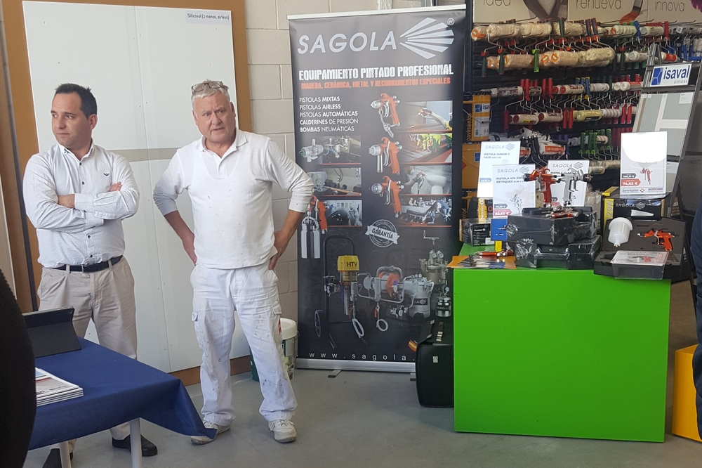 Sagola & Servicolor with professional painters